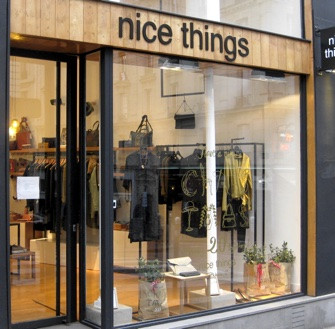 paris shop signs from the ridiculous to the sublimely ridiculous part 15 paris update. Black Bedroom Furniture Sets. Home Design Ideas