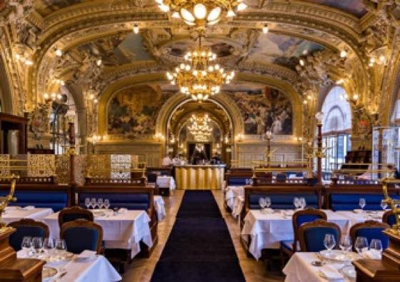 Dining in Paris: French Restaurant Manners and Methodology
