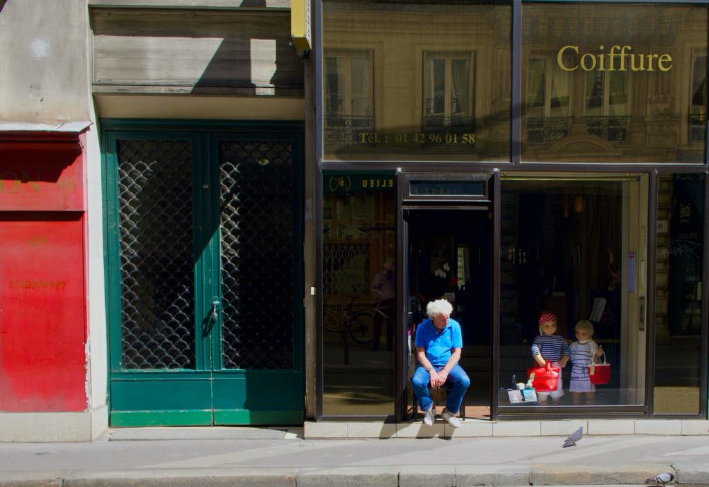 Paris street scene. Photo: Ron Fox