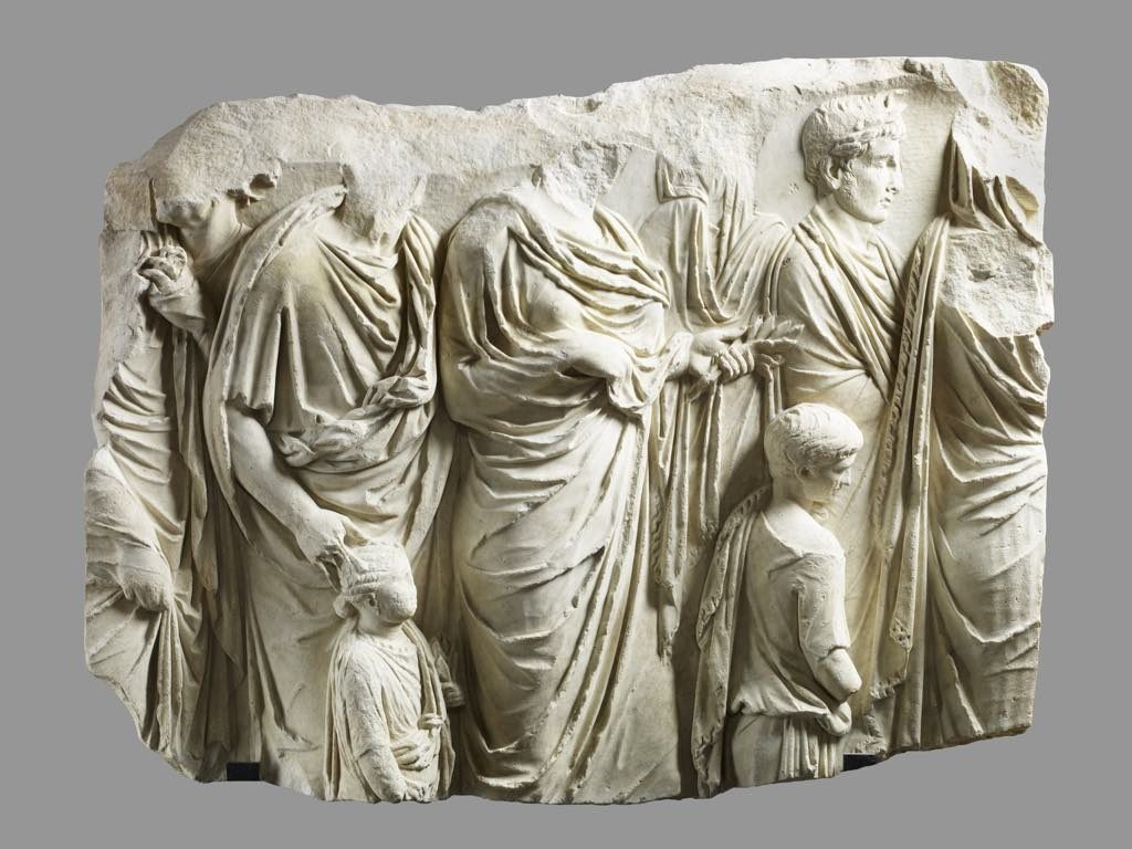 Fragment of the Ara Pacis (13-9 B.C.E). © Musée du Louvre RMN l Thierry Ollivier