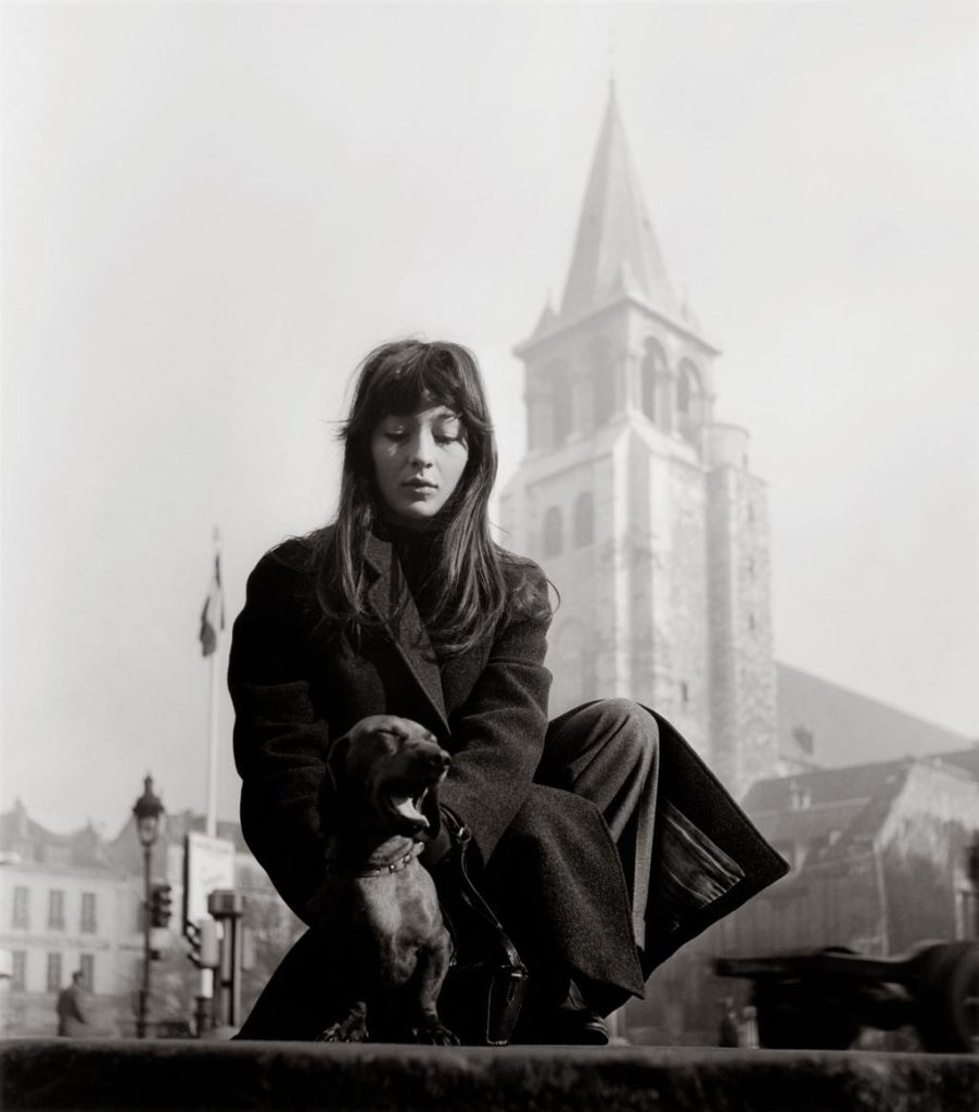 """""""Juliette Gréco, Saint-Germain-des-Prés"""" (1947). © Atelier Robert Doisneau"""