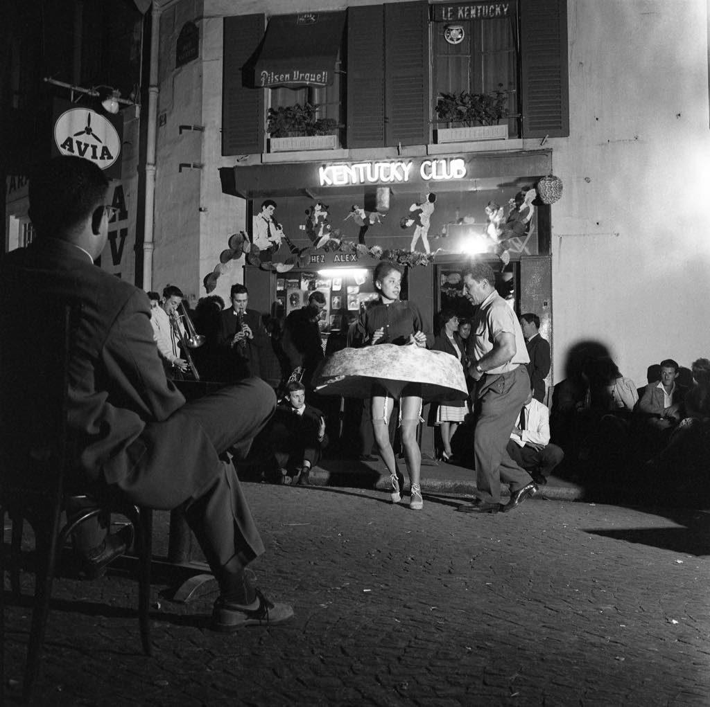"""La Toupie"" (July 14, 1959).© Robert Doisneau-Gamma Rapho"