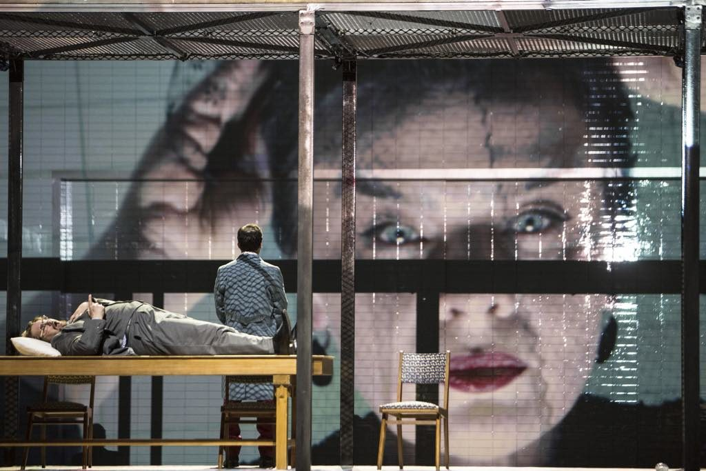Krzysztof Warlikowski's new production of Dmitri Shostakovich's Lady Macbeth of the Mtsensk District at the Paris National Opera. © Bernd Uhlig/Opéra National de Paris.