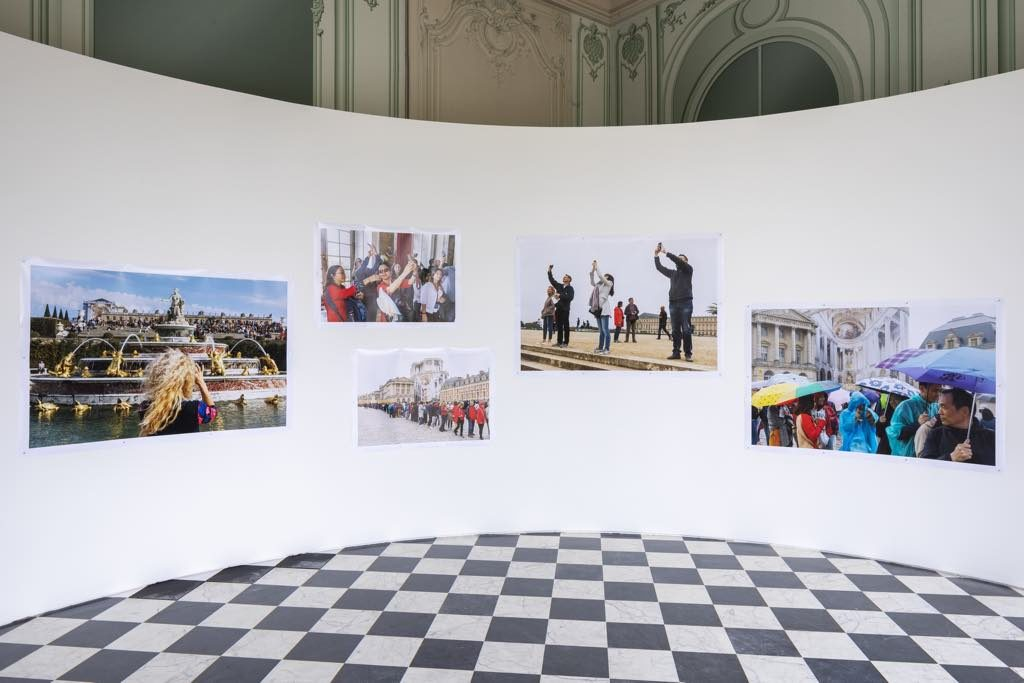 "Exhibition view of ""Versailles: Visible/Invisible,"" Château de Versailles, 2019. Courtesy of the artist Martin Parr. © Tadzio"