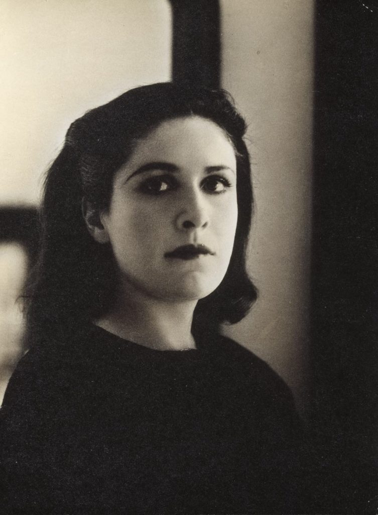 Portrait of Dora Maar by Rogi André. (c. 1937). © DR Photo © Centre Pompidou, MNAM-CCI/Georges Meguerditchian/ Dist. RMN-GP