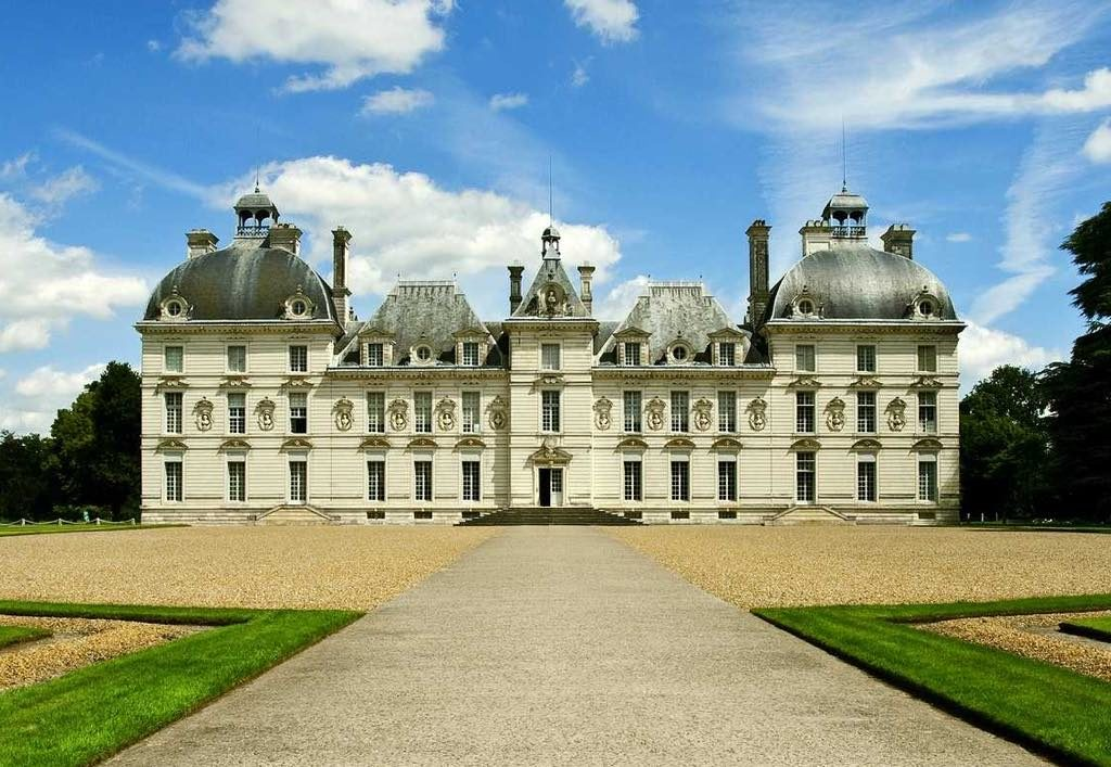 The Château de Cheverny, built in 1624 and still inhabited by the same family.