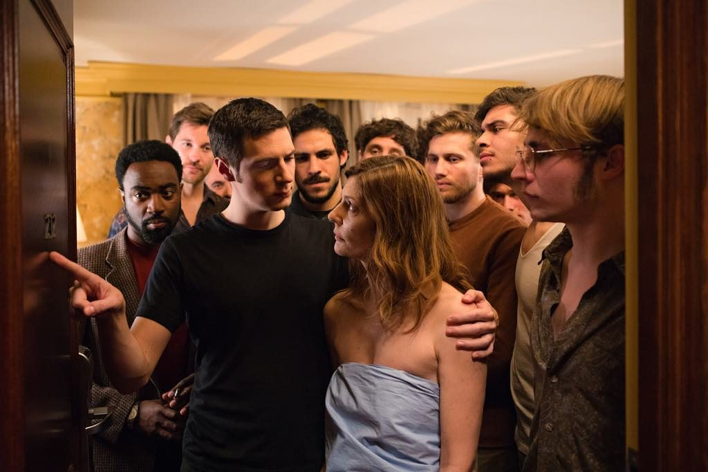 Richard (Vincent Lacoste) and Maria (Chiara Mastroianni), surrounded by her past lovers.