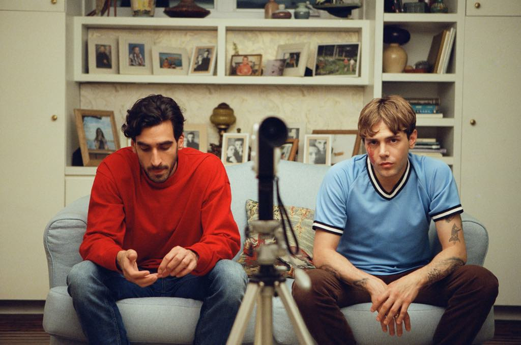 Gabriel d'Almeida Freitas as Matthias and Xavier Dolan as Maxime.