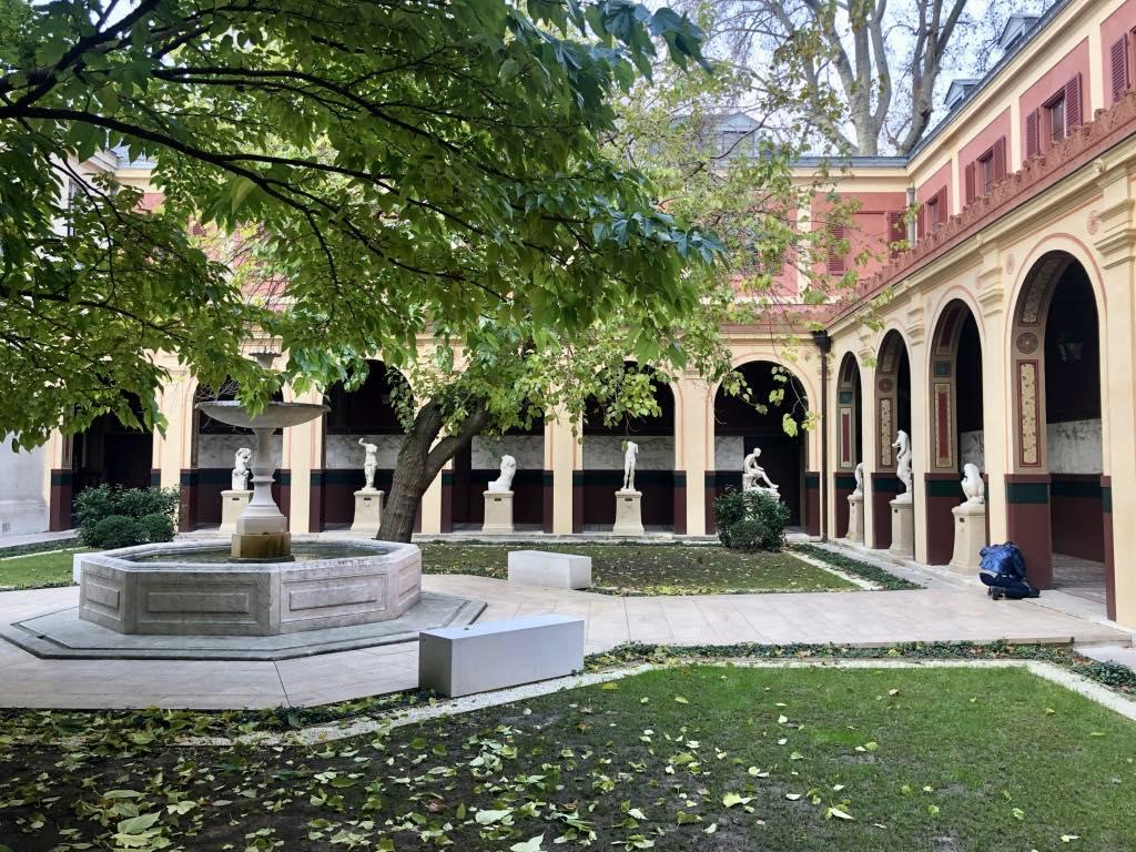 The École des Beaux-Arts courtyard.