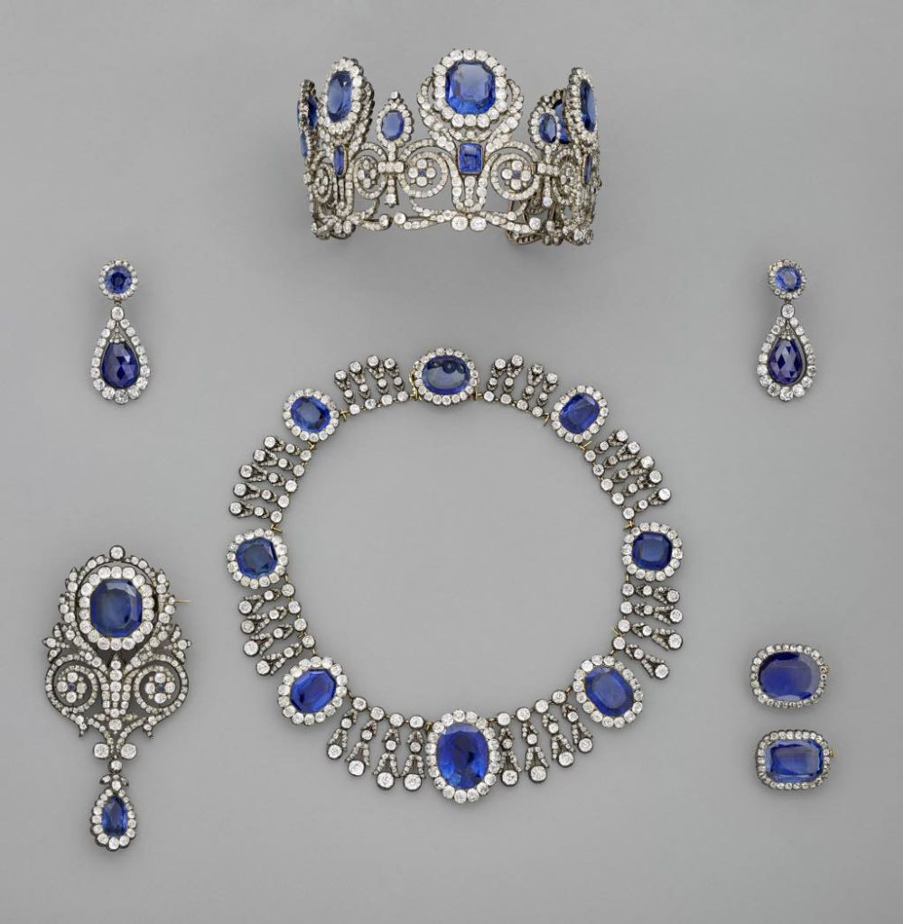 Set of jewels belonging to Queen Marie-Amélie © RMN - Grand Palais (Musée du Louvre)/Mathieu Rabeau