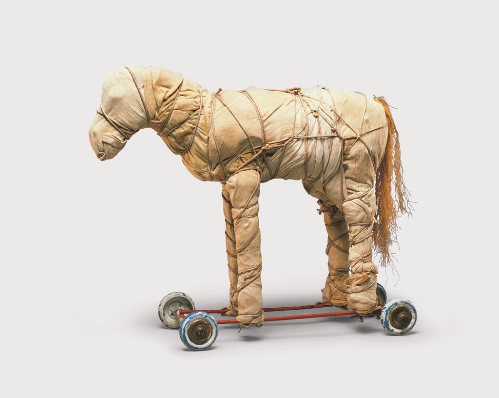 """""""Wrapped Toy Horse"""" © Christo 1963 Photo © Dirk Bakker"""