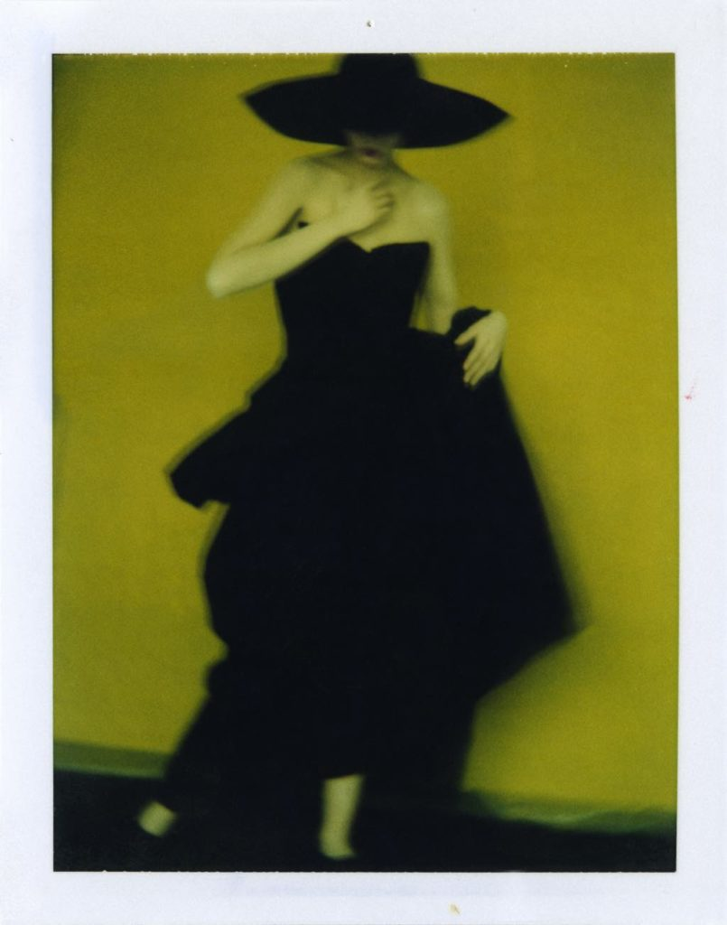 """Pour Yohji Yamamoto"" (1996) © Sarah Moon"