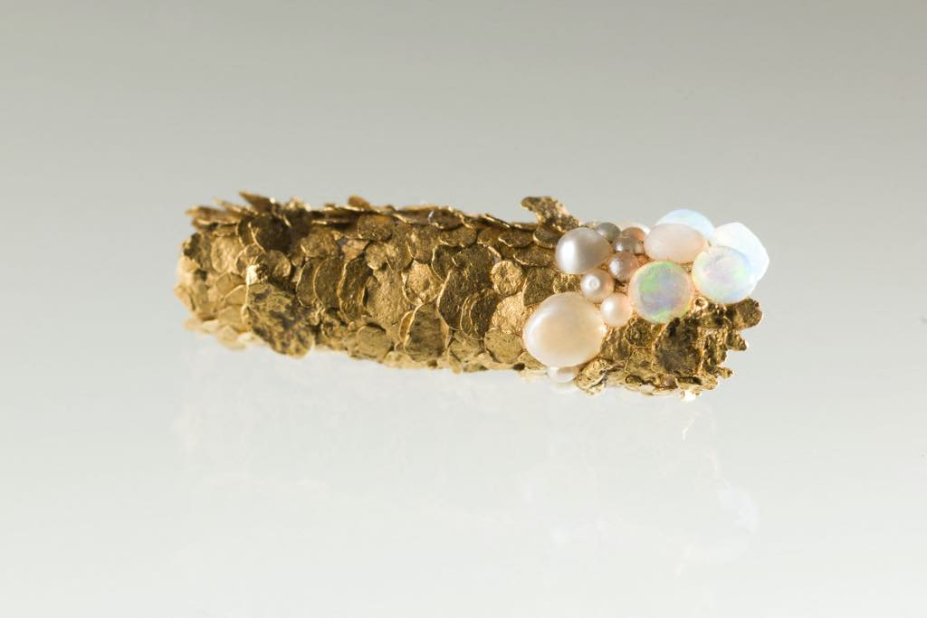 """Trichoptère"" (1980-2016). A caddisfly case of gold, turquoise and pearls. Paris, Musée d'Art Moderne."