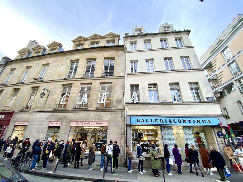 Parisians line up to visit Galleria Continua.