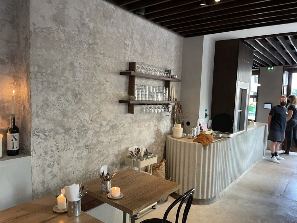Bouche Restaurant