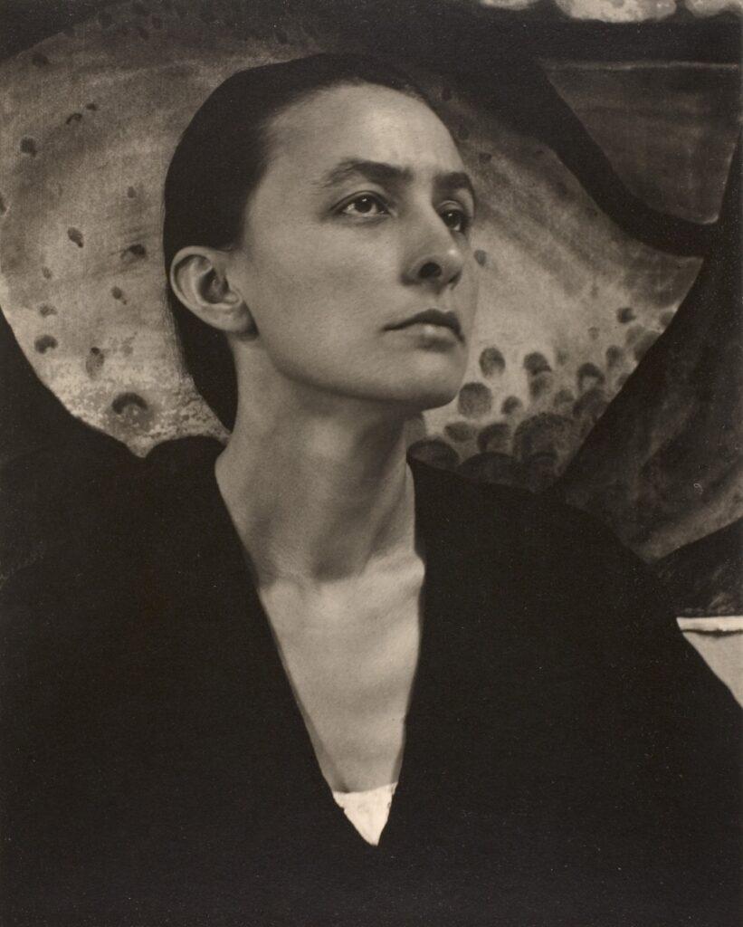 Georgia O'Keeffe photographed by Alfred Stieglitz (1918).