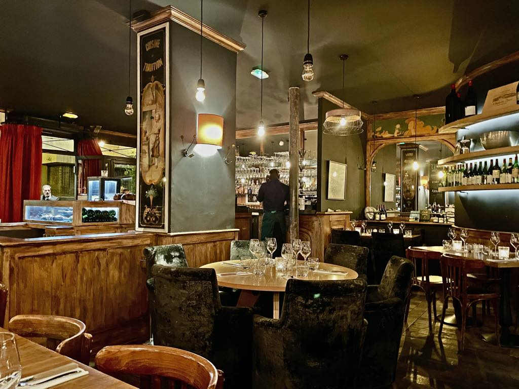 Louis Vins Restaurant